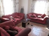 Lounges - 14 square meters of property in Klipfontein View