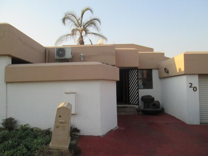 3 Bedroom Cluster for Sale For Sale in Buccleuch - Private Sale - MR112631