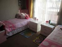 Bed Room 1 - 14 square meters of property in La Rochelle - JHB