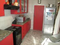 Kitchen - 11 square meters of property in La Rochelle - JHB