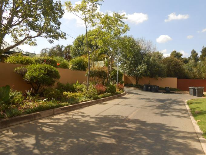Standard Bank EasySell 3 Bedroom House For Sale in Bromhof - MR112698