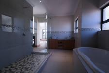 Main Bathroom - 15 square meters of property in The Wilds Estate