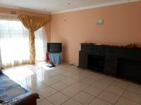 Lounges - 33 square meters of property in Germiston South