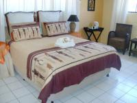 Bed Room 1 - 15 square meters of property in Glenashley