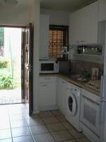 Kitchen - 8 square meters of property in Paulshof