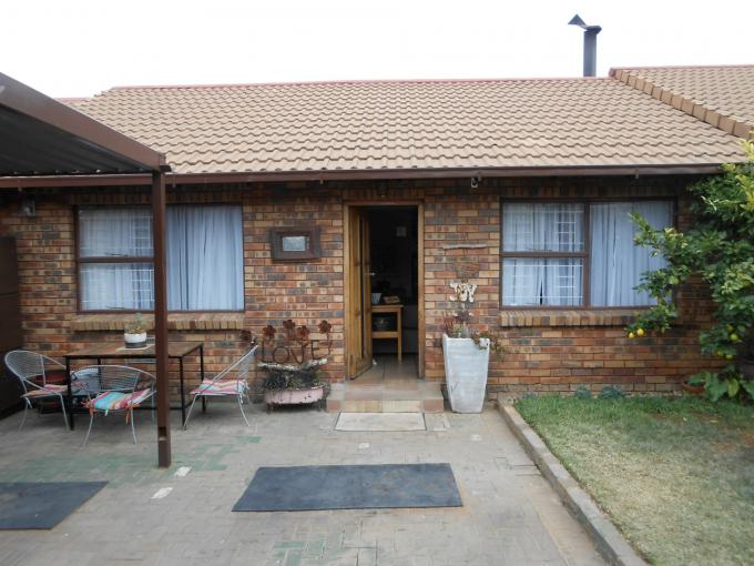 2 Bedroom Sectional Title for Sale For Sale in Bloemfontein - Private Sale - MR112783