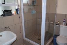 Bathroom 1 - 6 square meters of property in Kraaifontein