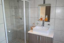 Main Bathroom - 5 square meters of property in Vredenburg