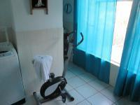 Main Bathroom - 9 square meters of property in West Acres