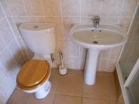 Bathroom 3+ - 22 square meters of property in Tergniet