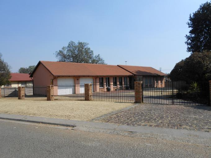 Standard Bank EasySell 3 Bedroom House For Sale in Dalpark - MR112887