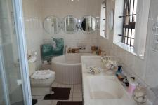 Main Bathroom - 9 square meters of property in Northpine