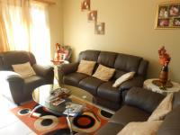 Lounges - 18 square meters of property in Amandasig