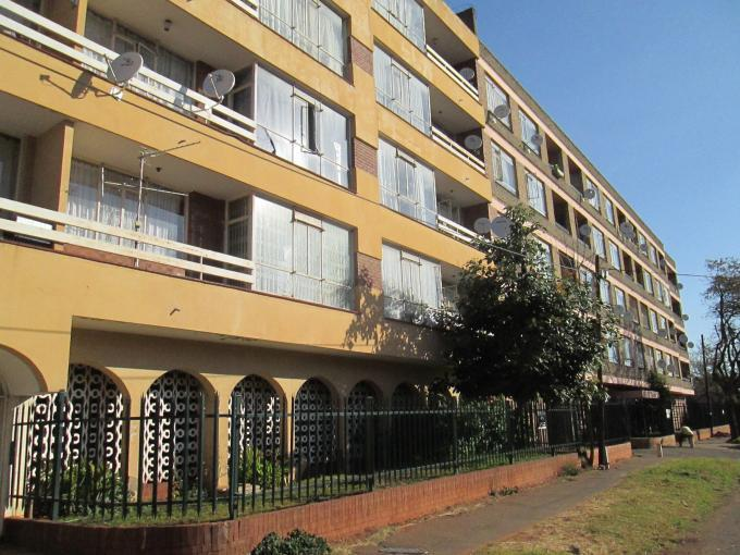 2 Bedroom Apartment For Sale in Yeoville - Private Sale - MR112904