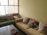 Lounges - 25 square meters of property in Yeoville