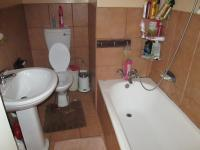 Main Bathroom - 3 square meters of property in Yeoville