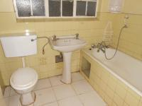 Main Bathroom - 3 square meters of property in Windsor