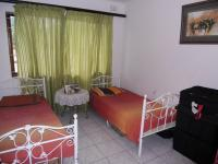 Bed Room 1 - 12 square meters of property in La Lucia