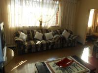 Lounges - 23 square meters of property in Pretoria West