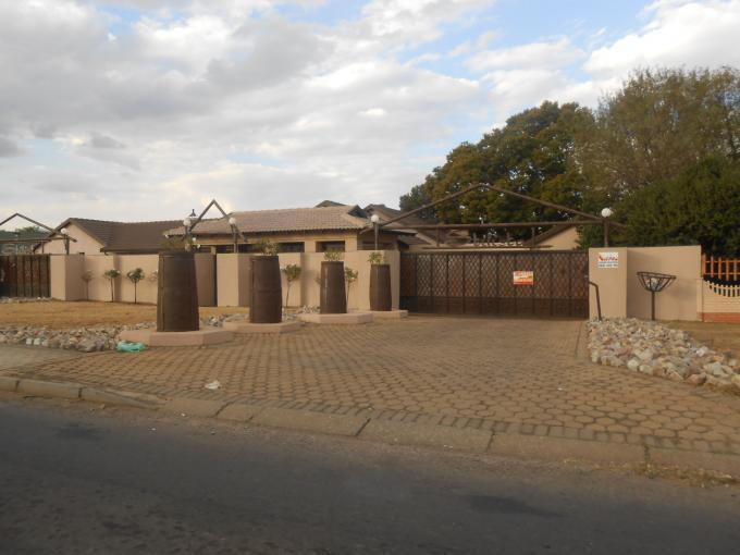 7 Bedroom House For Sale in Randfontein - Private Sale - MR112994