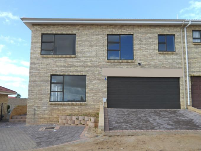 3 Bedroom Cluster For Sale in Hartenbos - Home Sell - MR113026