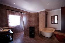 Main Bathroom - 24 square meters of property in The Wilds Estate