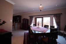 Dining Room - 22 square meters of property in The Wilds Estate