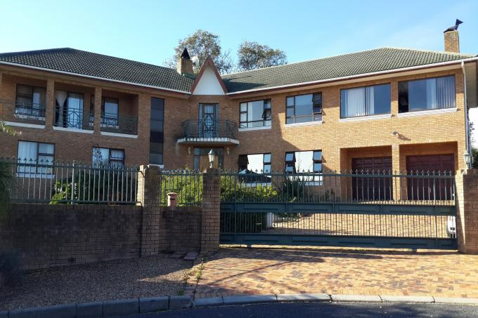 7 Bedroom House for Sale For Sale in Somerset West - Private Sale - MR113102