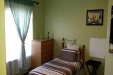 Bed Room 2 - 16 square meters of property in Somerset West