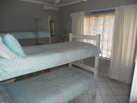 Bed Room 2 - 14 square meters of property in Palm Beach