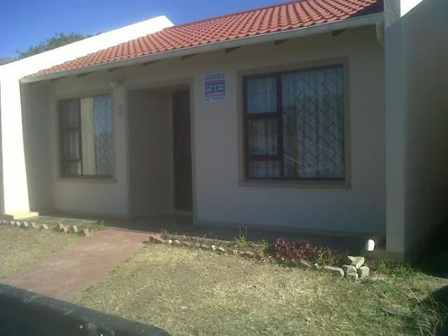 2 Bedroom Simplex for Sale For Sale in Southernwood - Private Sale - MR113200