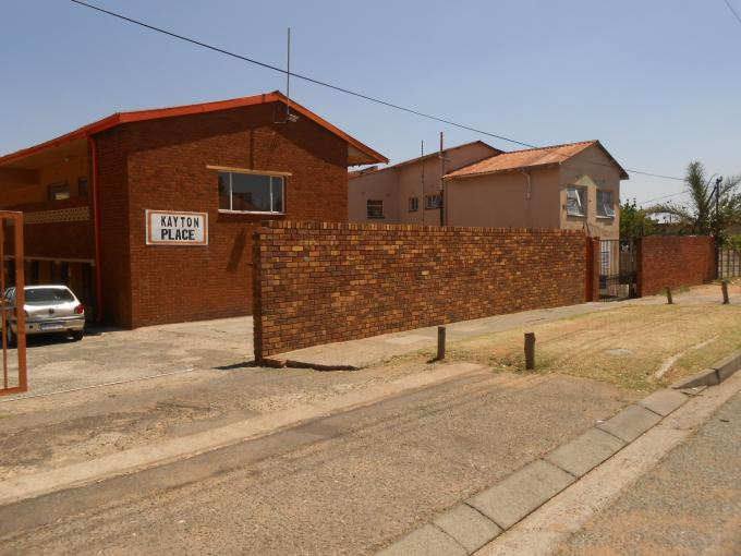 2 Bedroom Sectional Title for Sale For Sale in West Turffontein - Private Sale - MR113220