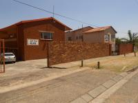 2 Bedroom 1 Bathroom in West Turffontein