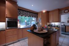 Kitchen - 30 square meters of property in Woodhill Golf Estate