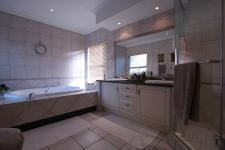 Main Bathroom - 20 square meters of property in Woodhill Golf Estate