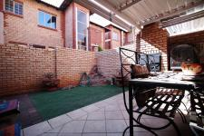Patio - 14 square meters of property in The Wilds Estate