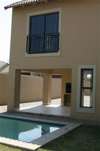 4 Bedroom Cluster To Rent in Olivedale - Private Rental - MR11333