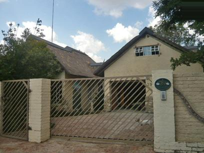 4 Bedroom House for Sale For Sale in Fourways - Home Sell - MR11339
