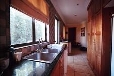 Kitchen - 25 square meters of property in Woodhill Golf Estate