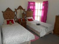Bed Room 1 - 16 square meters of property in The Orchards