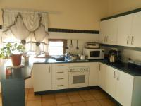 Kitchen - 14 square meters of property in The Orchards