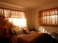 Bed Room 1 - 12 square meters of property in Klerksdorp