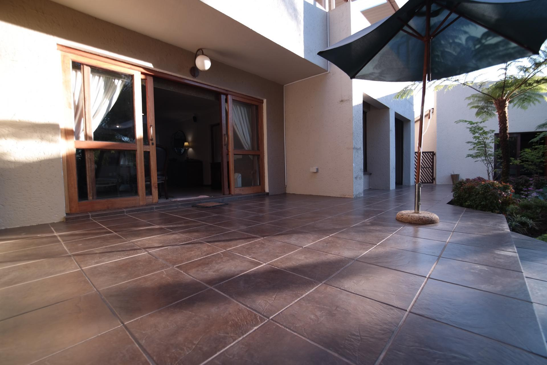 Patio - 85 square meters of property in Silver Lakes Golf Estate