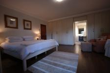 Main Bedroom - 26 square meters of property in Silver Lakes Golf Estate