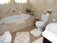 Bathroom 1 - 6 square meters of property in Kengies