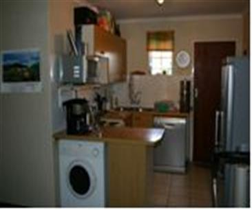 2 Bedroom Apartment to Rent To Rent in Elarduspark - Private Rental - MR11376