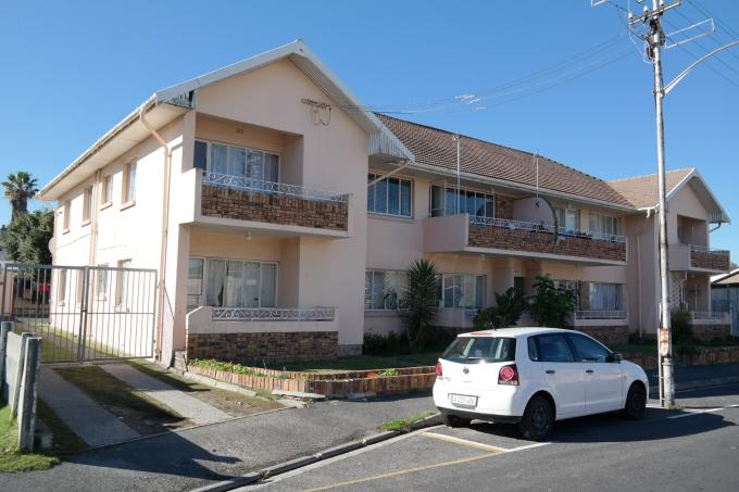 2 Bedroom Apartment for Sale For Sale in Parow East - Private Sale - MR113760