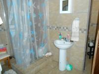Main Bathroom - 38 square meters of property in Capital Park
