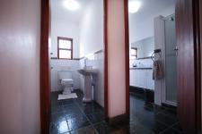 Bathroom 1 - 10 square meters of property in Woodlands Lifestyle Estate