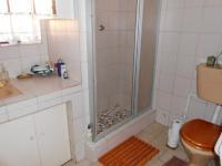 Main Bathroom - 7 square meters of property in Far East Bank